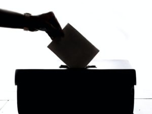 O confinamento não pode negar o direito a votar